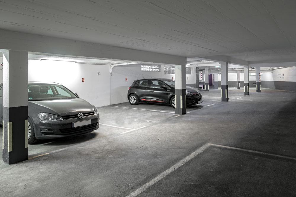Mercure Hotel mit Tiefgarage / Parkplatz / Garage in Frankfurt am Main